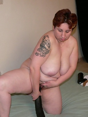 Chubby mature slut having fun with big toys