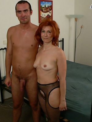 Red mature sexfreak sucking and fucking