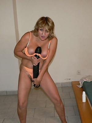 she loves to show herself playing