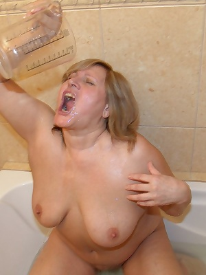 huge dildo's and piss drinking