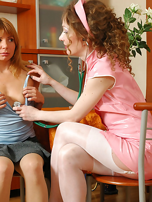 Leila&Alice older and younger lesbians