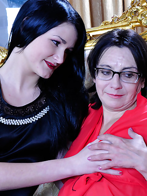 Lillian M&Hetty older and younger lesbians