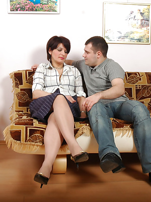 Christina&Monty pantyhosefucking cute mature lady