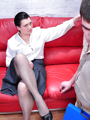 Elsa&Lucas pantyhosefucking awesome mature gal