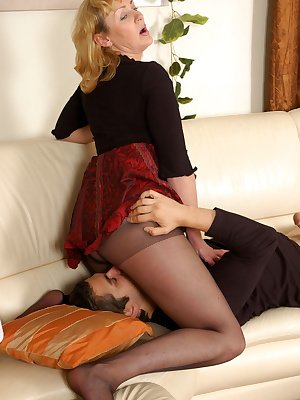 Emilia&Silvester pantyhosefucking pretty mature chick