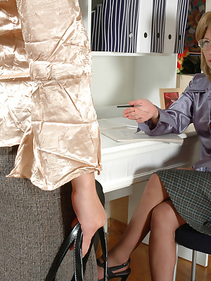 Blanche&Frieda pantyhosefucking gorgeous mature woman