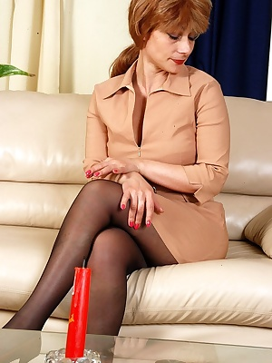 Elisabeth&John pantyhosefucking amazing mature lady