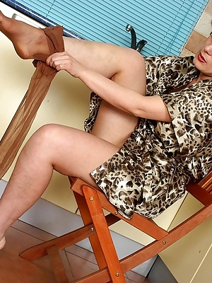 Elisabeth&John lessons of pantyhose sex