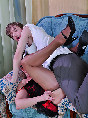 Emily&Benjamin pantyhosefucking great mature chick