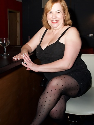 Heres a set of Pics shot by my Good Friend Sam Barford at Klub Kink, a Hot swingers club in Dudley, and my dress was soo