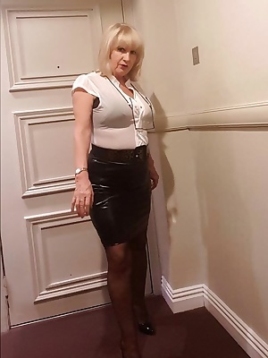 I set off to work this morning wearing my tight black skirt, sheer stretchy blouse, my good old Wonderbra, black patent