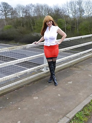 Barby out and about on an industrial estate flashing truckers