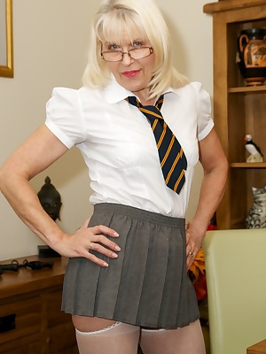 Hi Im Lady-S the hottest sexiest naughtiest Skool Girl you are ever likely to see and today Im feeling very horny so Im