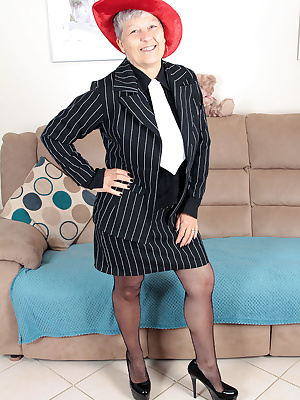 Hi guys.Here I am in my gangster pinstripe suit, getting all hot'n'horny for your pleasure.Enjoy xxxxx