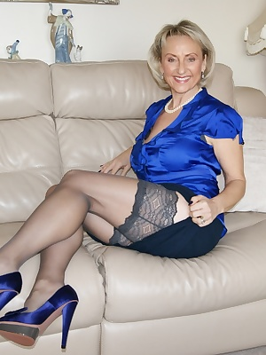 I start of this week dressed for a meeting with nice see through panties I find that works well, it always works sat opp