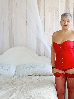 Im all in Red for this set except for my Black CFM Heels and Im in the Beautiful Bedroom set of a studio in Birmingham w