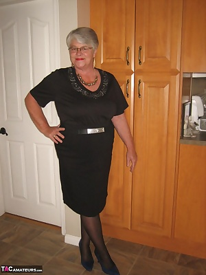Girdlegoddess, so hot and sexy in her black skirt and blouse. Taking it off to show you her hairy, mature pussy...xxx
