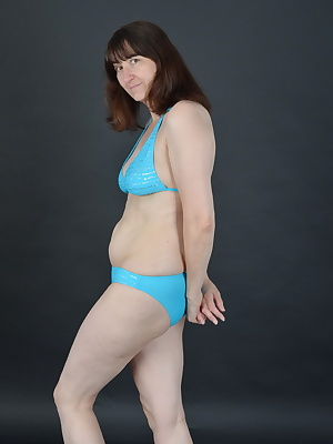 Something else made in the studio.Images in the photo studio in a blue bikiniAnd right time got off to a Strip.