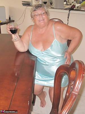 Grandma Libby and a bottle of red wine  What a combination.  Just get the tissues ready and join me as I find out just h