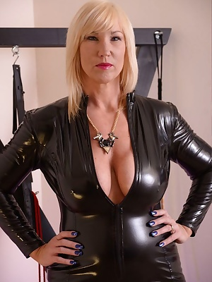 I'm in my black PVC cat suit and I'm on the prowl. Melody x