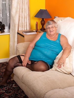 Relaxing in my hotel room your favourite old granny started to feel frustrated so I decided and relieve myself and have