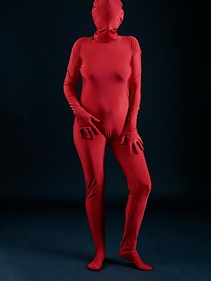 Posing in the Funsuit. Nevertheless, Yes, however, In the nude I feel much finer. And under the suit it is really warm.