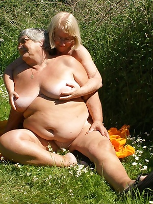 My sweet friend Chloe and I decided to do some sunbathing but somehow we got distracted as the warm sunshine made us bot