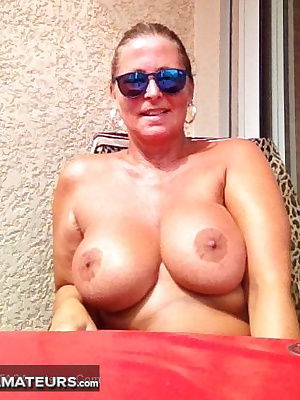 Chris has spent her summer holidays in Oasis nudist-resort like every year. She likes to be nude 24 hours a day. She wan