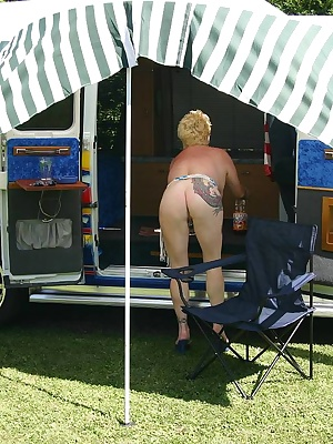 My american van was parked in a park, naked I make the whore.... By waiting for the customer, I put of the vernes on my