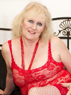 Hi Guys Im feeling really hot and horny in my Red lingerie and its not long before Im fingering and spreading my hot wet