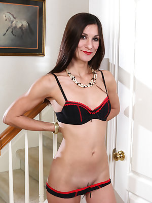Mature mom Leah Harris is an all American hot number with a craving for sex that she never denies. After doing a slow striptease that leaves her fully nude, she turns to a vibrating toy to help pleasure her diamond hard nipples and juicy landing strip cun