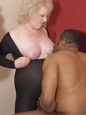 When I met Jonathan at a Nottingham Hotel, I knew I was In for some Fun and a Good Fucking.Claire  xxx