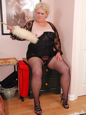 I sure like my sheer red nylon panties don't you.  They look so nice on top of my black girdle.  A perfect opportunity f
