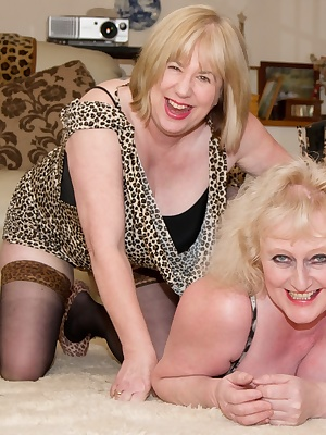 Lesbo sex session with Speedy Bee by the fire side.Claire xxx