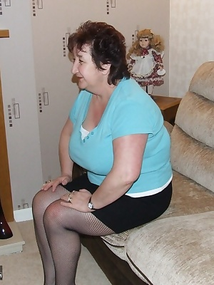 having just got in after a night out i was feeling reallyh horny after after seeing loads of very fit young guys, so i j