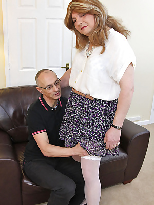What a great cock this guy has to suck on. Jenny x
