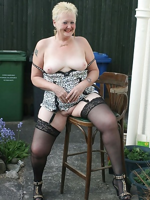Don't you just love a nice balmy summer evening - well I do, and what better way than to show you just how much.
