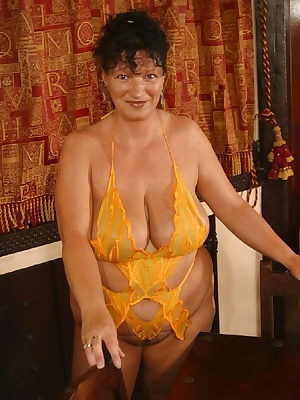 I bought a new yellow basque  I thought I would show you guys what it looked like,  watch as i strip off  play with my 4
