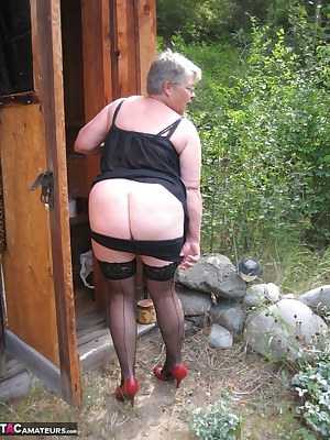 Such a nice sunny day, for a pee in this old out house. I sat there enjoying myself, and played with my big wet pussy...