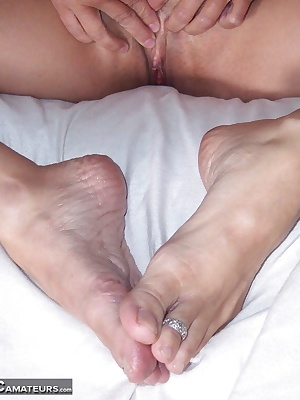 after i take my shower i always moisturize my feet. cum and watch me play and make them so nice and soft...