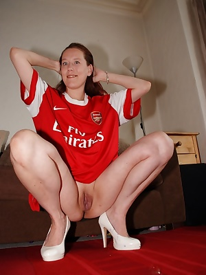 Here is Angel showing us her arsome arse in The Arsenal kit. She has some arsome legs too that stretch all the way to he