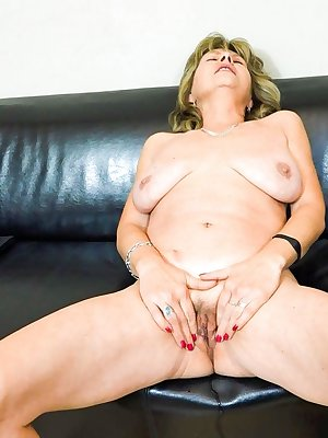 Cute mature Jolana masturbating hard til cumming