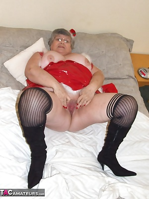 Happy Christmas to everyone.  I am waiting for Santa to arrive so I can help him to empty his sac. Do you think I will h