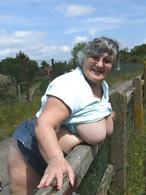 A sunny afternoon in the country and a guy with a camera  No bra or knickers -look I will prove it  Dont you wish you ha