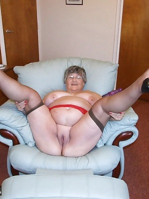 Cum and join my in my big armchair as I get comfy for my member Rob