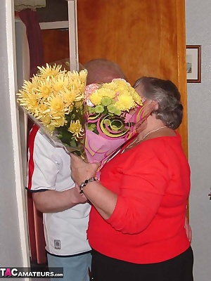 Mmmmmmm it takes more than a bunch of flowers to persuade her to let him watch football on her TV And once Libby handled