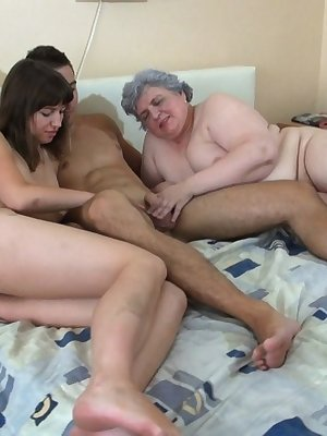 Crazy orgie with horny chubby grandma and skinny girl hungry for cocks
