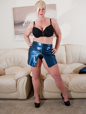 What do you think of my cracking little blue PVC outfit  Can't wait to wear it while doing the weekly shop - Melody xx