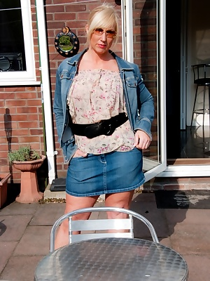 Lovely warm day so the hemline went up and the kit came off Melody x