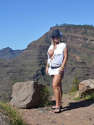During each of my holidays I always rent a car. This time I rented a jeep to discover the island of GranCanaria. I did i